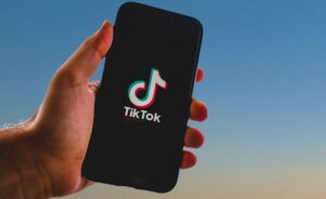 Come raggiungere clienti con TikTok