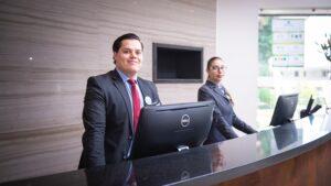 Cosa fa un receptionist