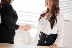 Come vestirsi per colloquio receptionist